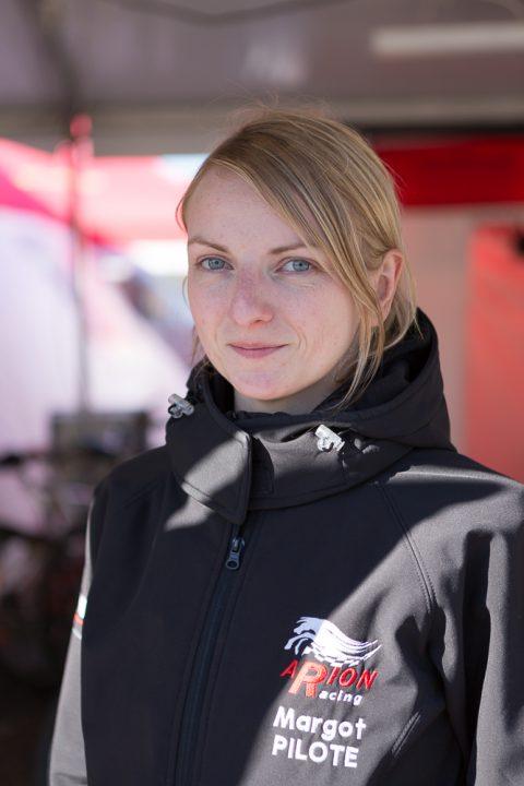 Merci Margot Lemesle, Pilote (la seule nana pilote dans les paddocks) pour la ARION Racing Team, 1ere team au classement des S3 des 24h Motonautique de Rouen en 2016